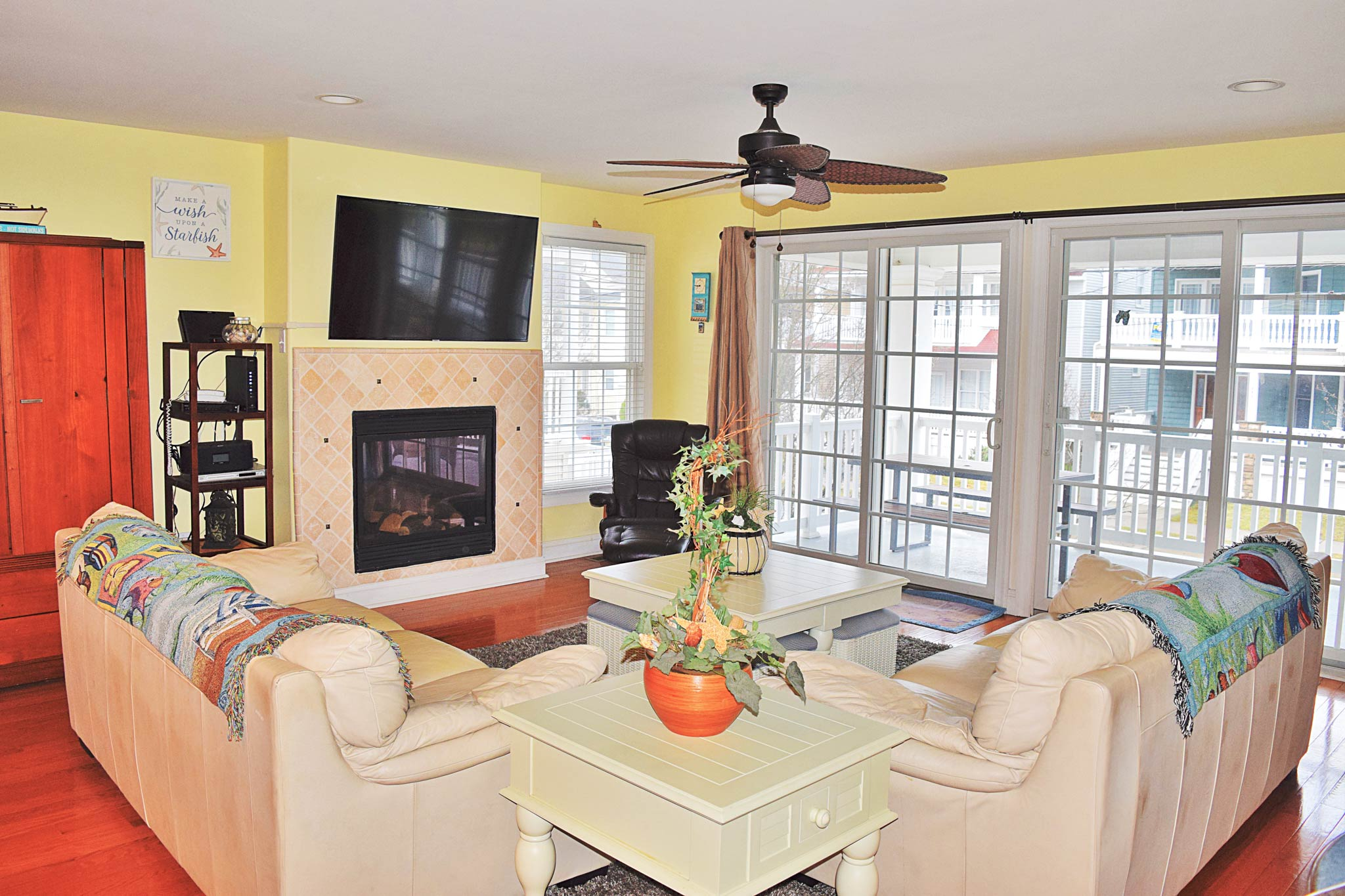 Light and breezy living room - Ocean City, New Jersey Family Vacation Rental